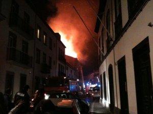 Incêndio em Ponta Delgada (antigo edifício da RTP-Açores)