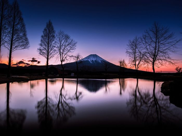 http://photography.nationalgeographic.com/photography/photo-of-the-day/mount-fuji-sunrise-reflection/